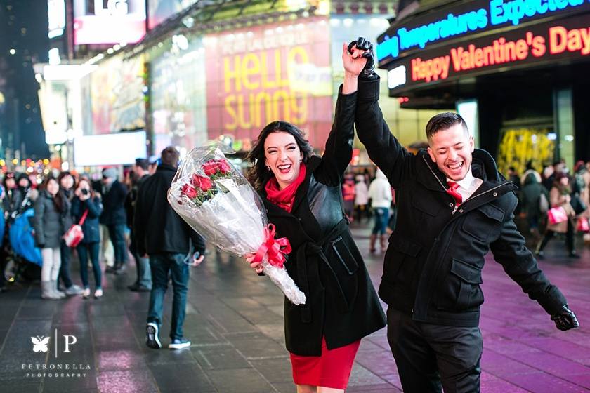 Times Square New York Valentines Day marriage proposal (14)
