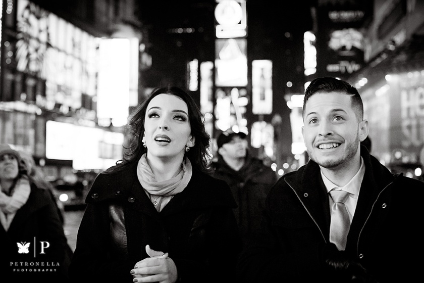 Times Square New York Valentines Day marriage proposal (21)