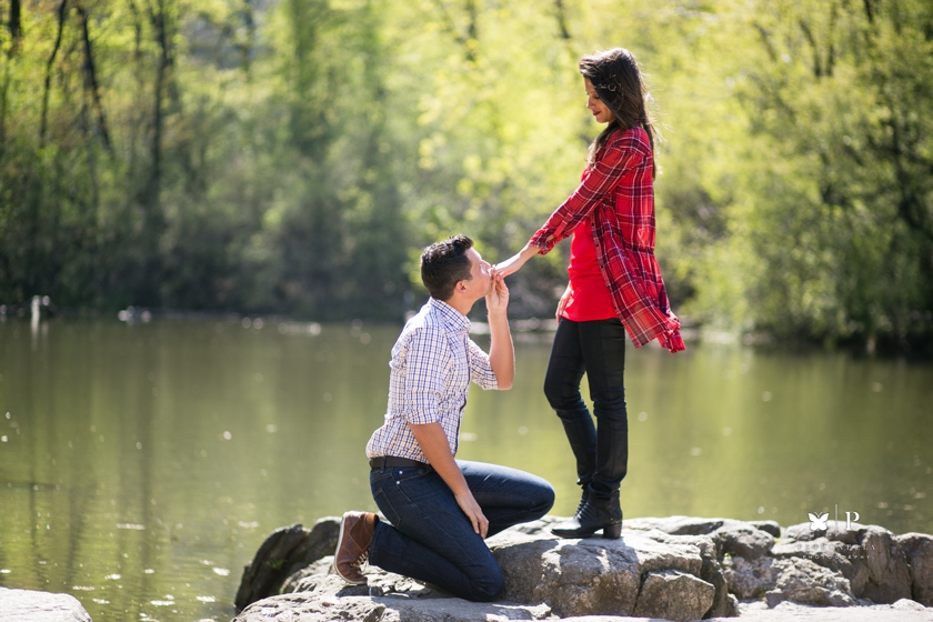 How Ali Proposed with an Acapella Unchained Melody Serenade - Central Park marriage proposal (3)